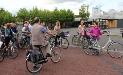 Raad fietst door Boxtel-Oost