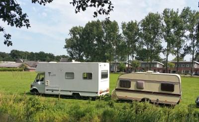 Circus Freiwald op schapenweide in Boxtel