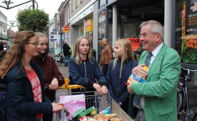 Tieners in actie voor Voedselbank