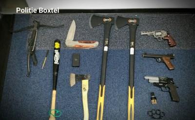 Politie stuit op wapens en lege hennepkwekerij