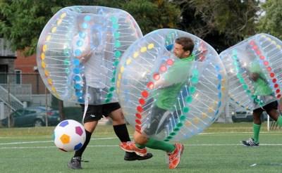 Tieners Liempde spelen bumperball