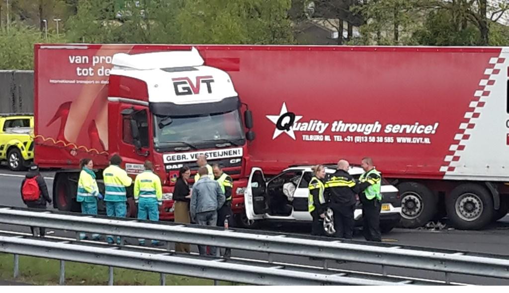 Ongeluk met vrachtwagen op A2