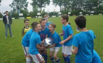 Esch wint schoolvoetbaltoernooi