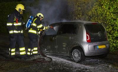 Auto brandt uit in Esch