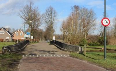 Haaren weert zwaar verkeer op brug Essche Stroom