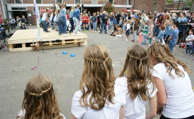 Vernieuwde Angelaschool bruist op drukke open dag