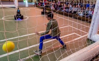Robotvoetbal op De Oversteek