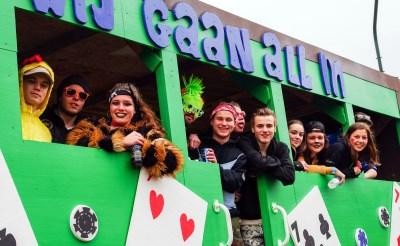 Meerijden op carnavalswagens in Haaren toegestaan, mits...