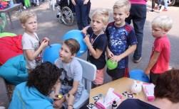 Jeugd 'rollebolt' op Boxtel Oost Dag
