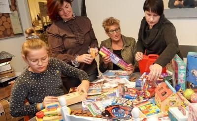 Kinderen krijgen gratis kerstcadeaus