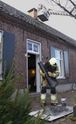 Brand in schoorsteen Liempdsen Herd snel onder controle
