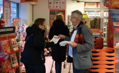 Voedselbank flyert bij supers voor kerstpakketten