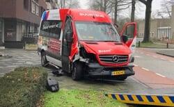 Ongeluk met buurtbus aan de Achterberghstraat