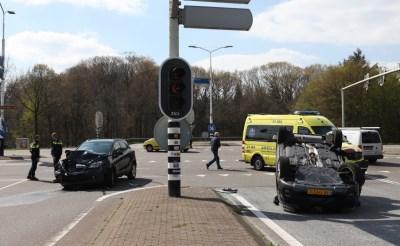 Auto slaat over de kop bij ongeval Bosscheweg