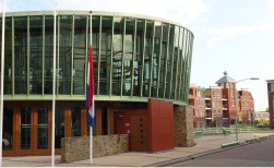 Raad debatteert over bitterballen