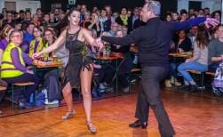 Dansers Denziz in de startblokken