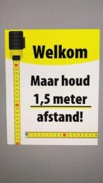 Buiten je handen wassen bij de Coop in Liempde...