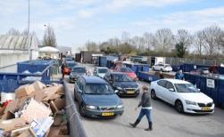 Gemeente verrast door drukte milieustraat en sluit poort