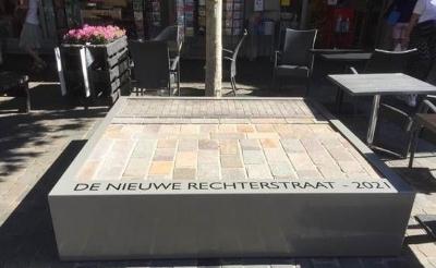 Presentatievlak Rechterstraat ligt op zijn plek