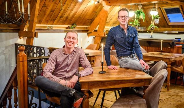 Swen Wigmans en Harold van der Borgh in hun opgefriste Bistro de Bolle.