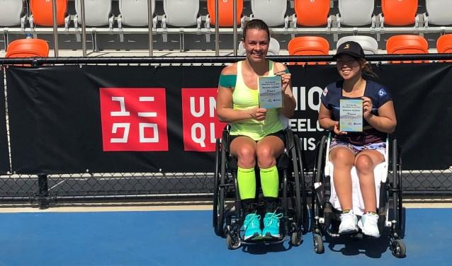 Marjolein Buis en haar dubbelpartner Yui Kamiji.