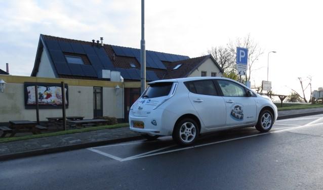 De dorpsauto op de standplaats in Appeltern.