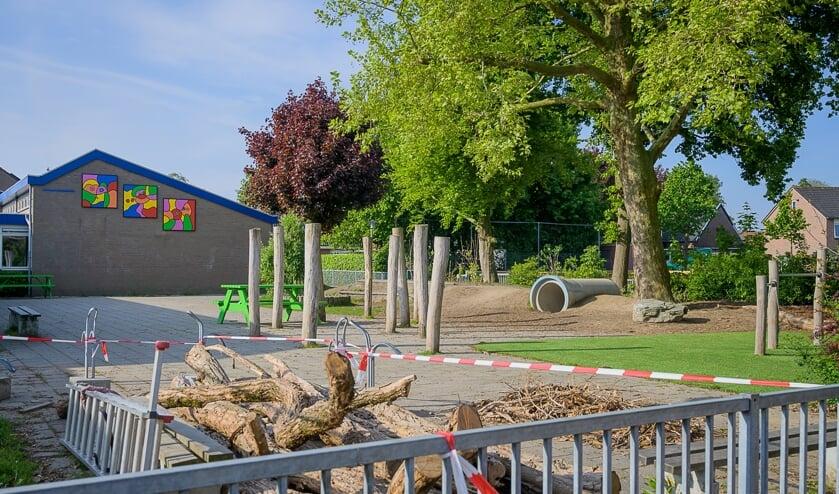 Nieuwe pand Gravin Van Rechterenschool Appeltern. Het oude pand krijgt herbestemming.
