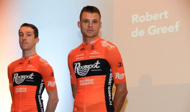 Robbert de Greef (l) en ploeggenoot Sjoerd van Ginneken (r) tijdens teampresentatie    Fotonummer: 4b13cf