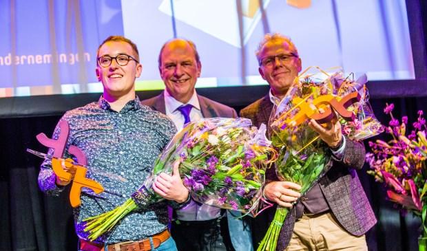 V.l.n.r. Rick Meesters (Albert Heijn Mierlo), René Walenberg (Algemeen directeur Senzer) en Wim Olde Hampsink (HEMA Deurne & Mierlo)   | Fotonummer: 35604e