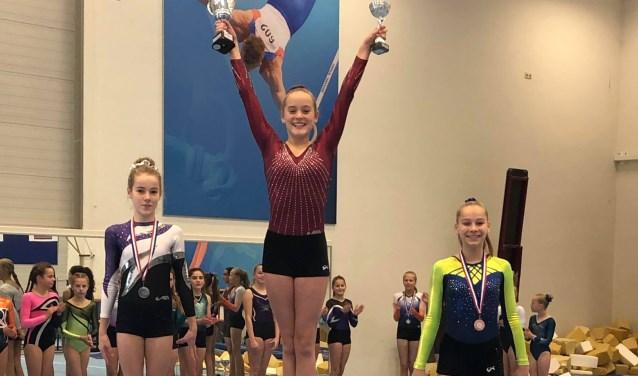 Sophie Meulendijks eindigde op de eerste plaats, Loes van Aaken op de tweede plaats  | Fotonummer: 8a2d04