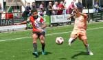 Voetbaljeugd van Feyenoord en Anderlecht oefenen in Mierlo