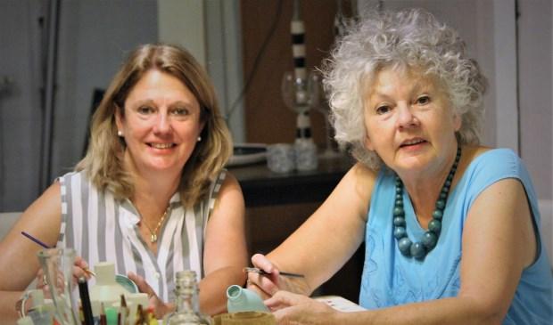 Anja Lamers (l) en Tineke van Heerebeek (r)  | Fotonummer: 8ee713