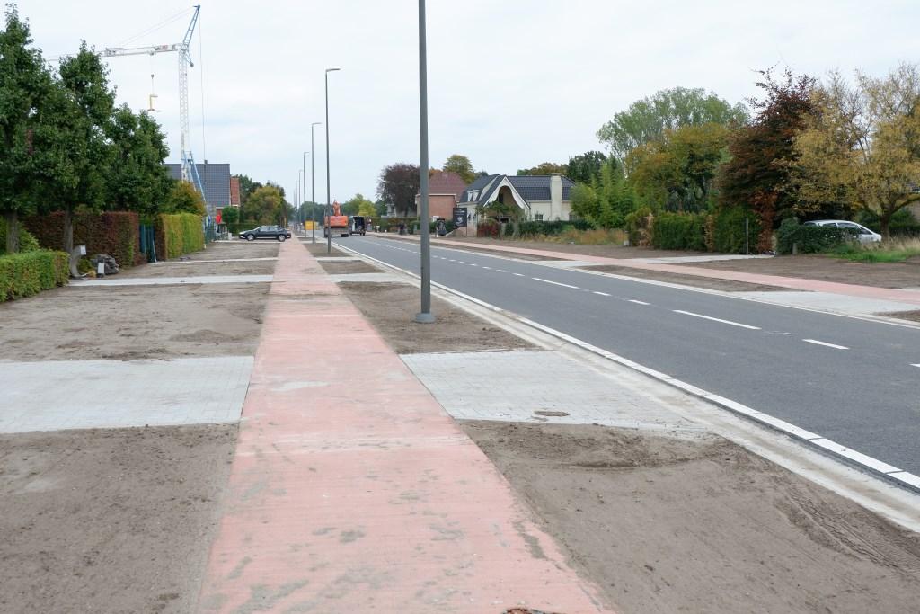 De Hamonterweg (tussen de spoorwegovergang en Geuskens) wordt weer geopend  © grenskoerier