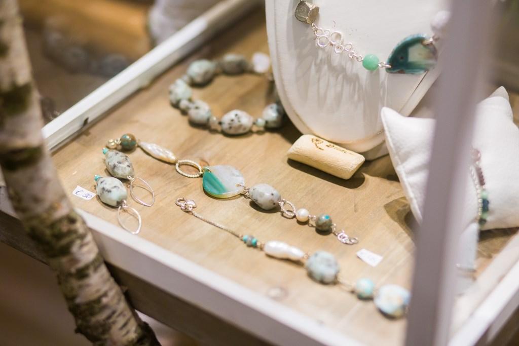 De natuur is een grote inspiratiebron voor de sieraden van Noortje van de Ven  © grenskoerier
