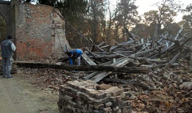 De werken aan de oude schuur op de Laathoeve zijn gestart