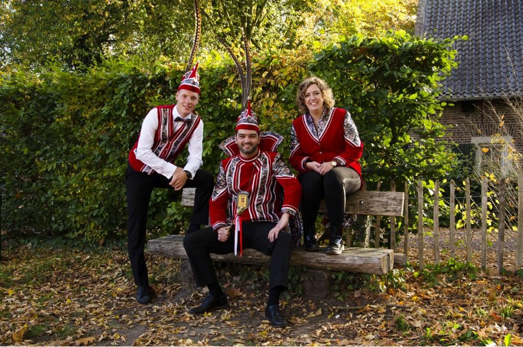 Prins Leo zijn dus de adjudanten Marjan Sentjens en Tom Roost .  © grenskoerier
