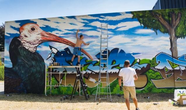 Vier dagen lang werd er met vier man sterk gewerkt aan het kunstwerk, foto: Desiree Pennings
