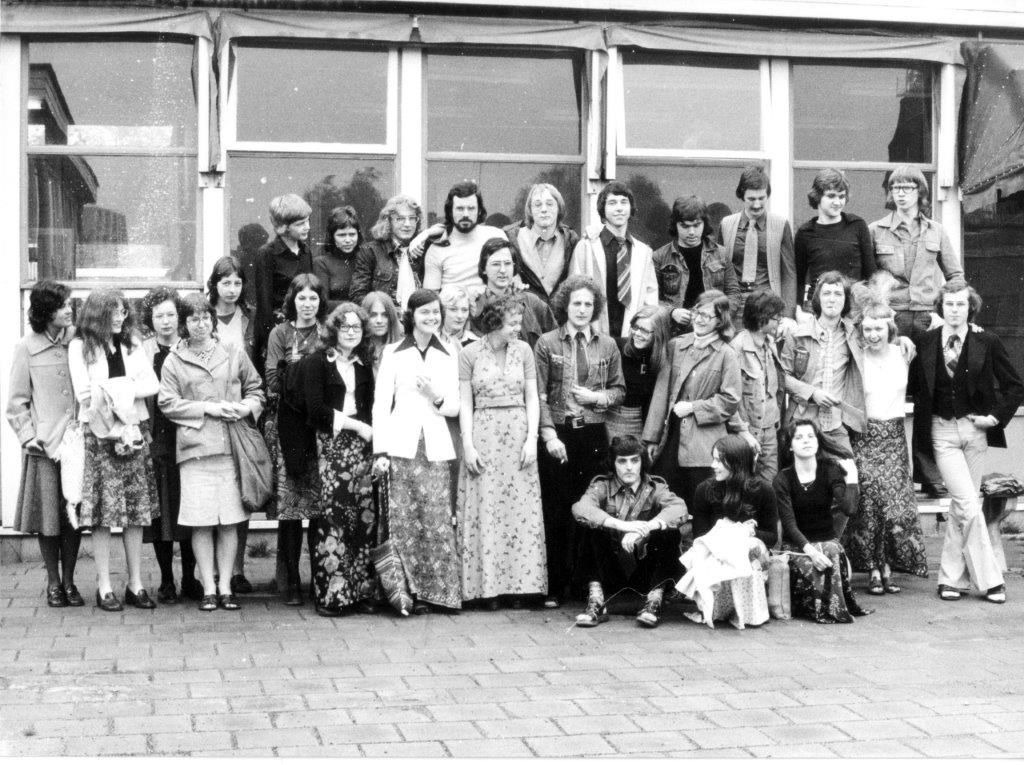 Groepfoto Atheneum 1975  © grenskoerier