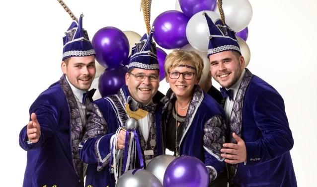 Prins Jos III en prinses Driena (de Werdt) samen met hun twee zonen (omgedoopt tot adjudanten) Rick en Stan