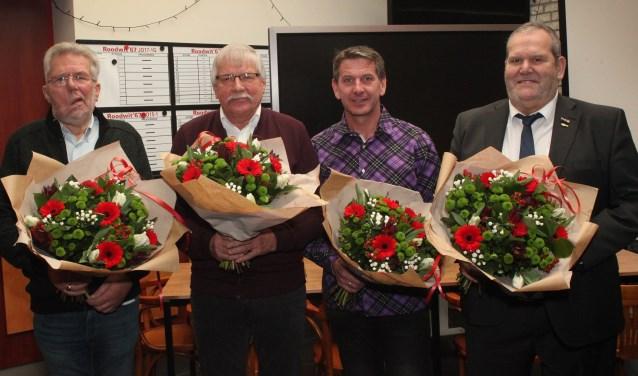 Van links naar rechts Charles Aarts (40 jaar lid), Christ Zentjens (60 jaar lid), Johan Rademaekers (40 jaar lid), Jan v.d. Kampen (40 jaar lid)