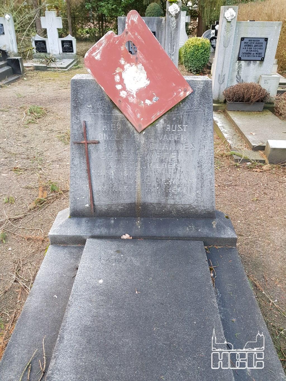 Het graf van Adriaan Groenewegen  © grenskoerier