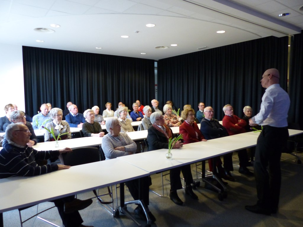 De spreker in volle actie, foto: Jaak Hoeben Foto: Jaak Hoeben © grenskoerier