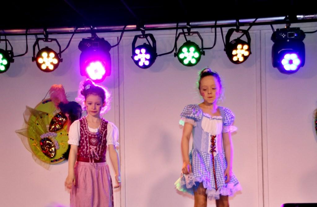 De kinderen zorgden voor geweldige optredens op de kinderbontemiddag  van de Roesdonkers, foto: Bert Groenen  © grenskoerier