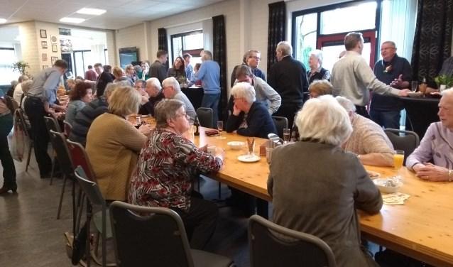 De viering van het vijfjarig bestaan van de Huiskamer in Budel-Schoot was een groot succes.