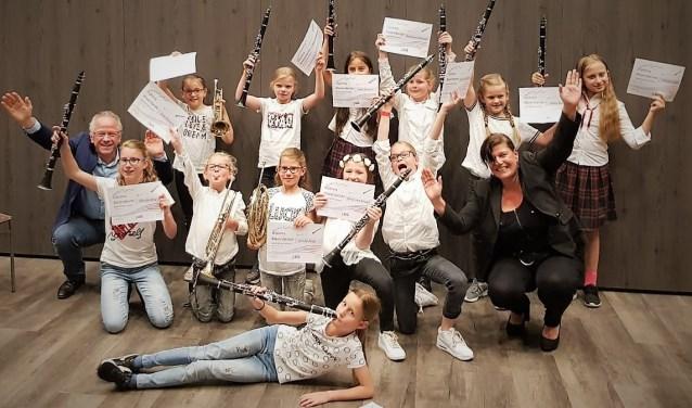 Leden Blazersbende na hun eerste optreden, foto: Johan Vos