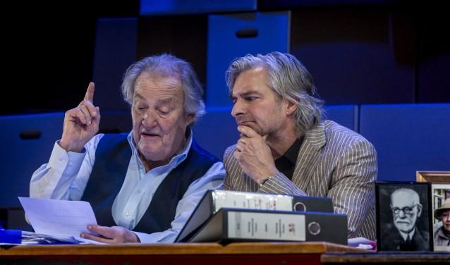 Jules Croiset en Victor Reinier spelen 'Een goed mens'.
