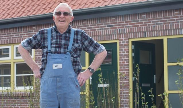 'Terugkeerder' Marinus Jacobs voor zijn gerenoveerde woning.