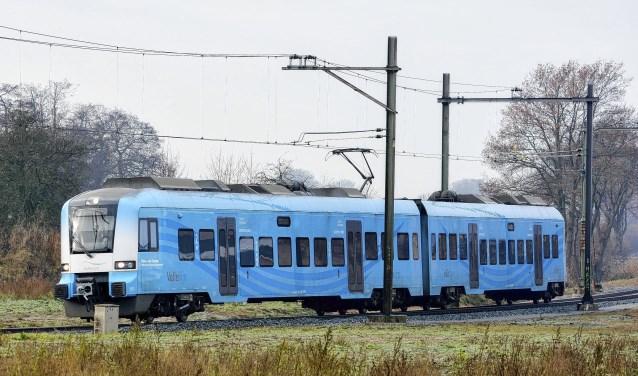 Een trein van het type 'Protos' op de Vallelijn.