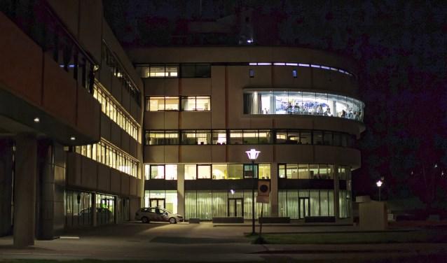 Het Edese gemeentehuis waar de raadsvergaderingen worden gehouden.