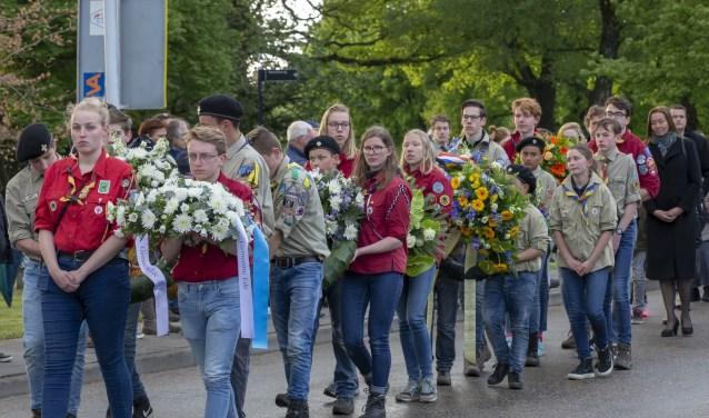De Stille Tocht tijdens de Dodenherdenking in Ede op 4 mei.